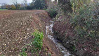 Sistemato in tempi record il fosso Vallato, a Castelfidardo (AN). Tolto dall'alveo il ponte di cemento crollato e risagomate le sponde.